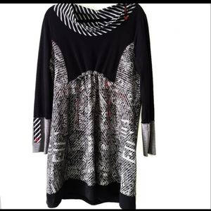 Tricotto dress long sleeve art to wear black white red